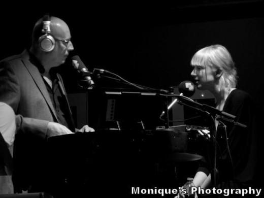 Channah te gast bij Radio 2 Muziekcafé. Foto: Monique's Photography